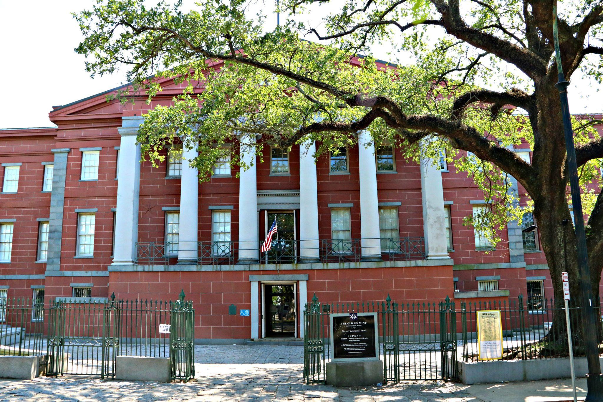 New Orleans Mint on Esplanade Avenue