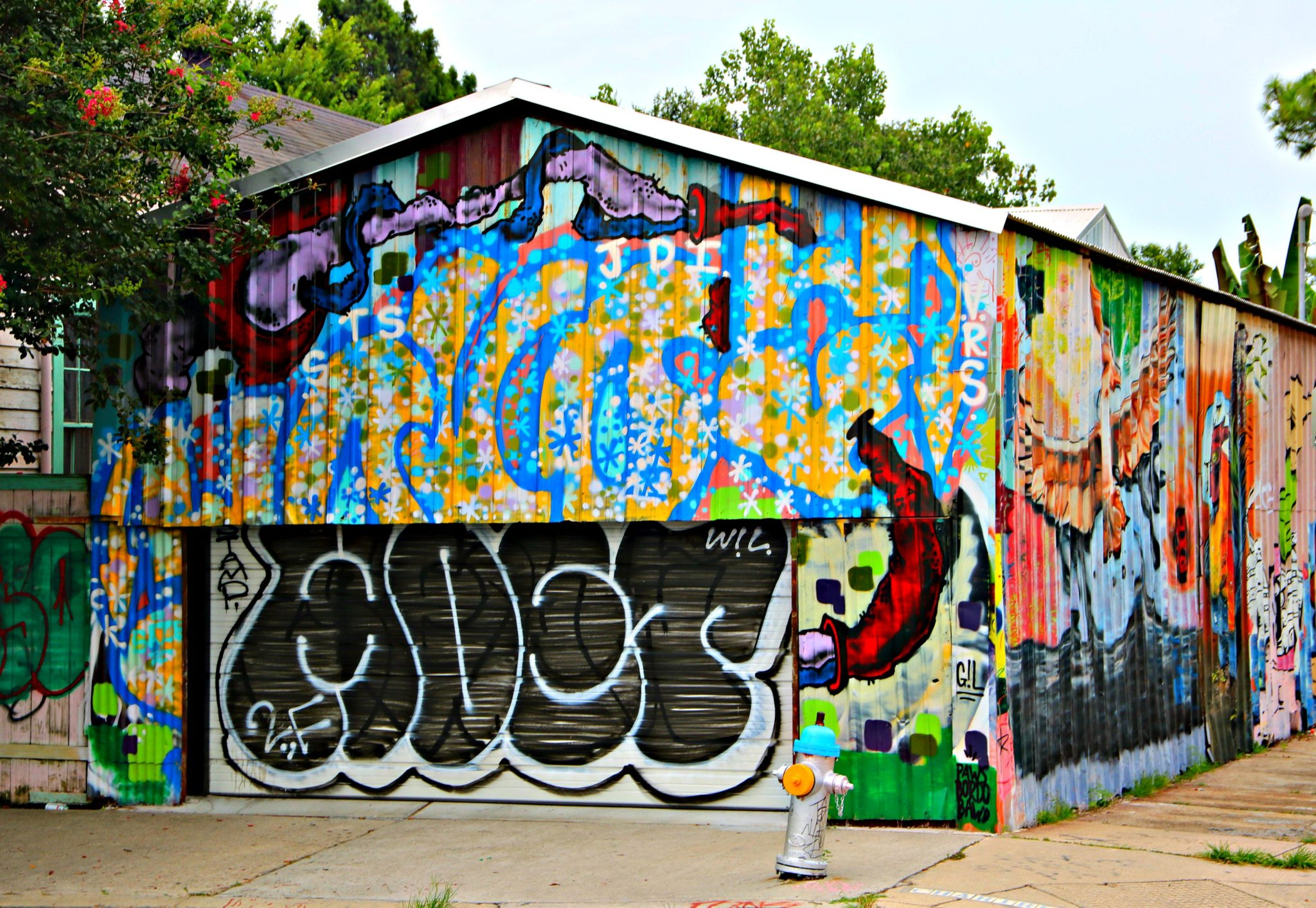 Artistic Garage in the Bywater Neighborhood