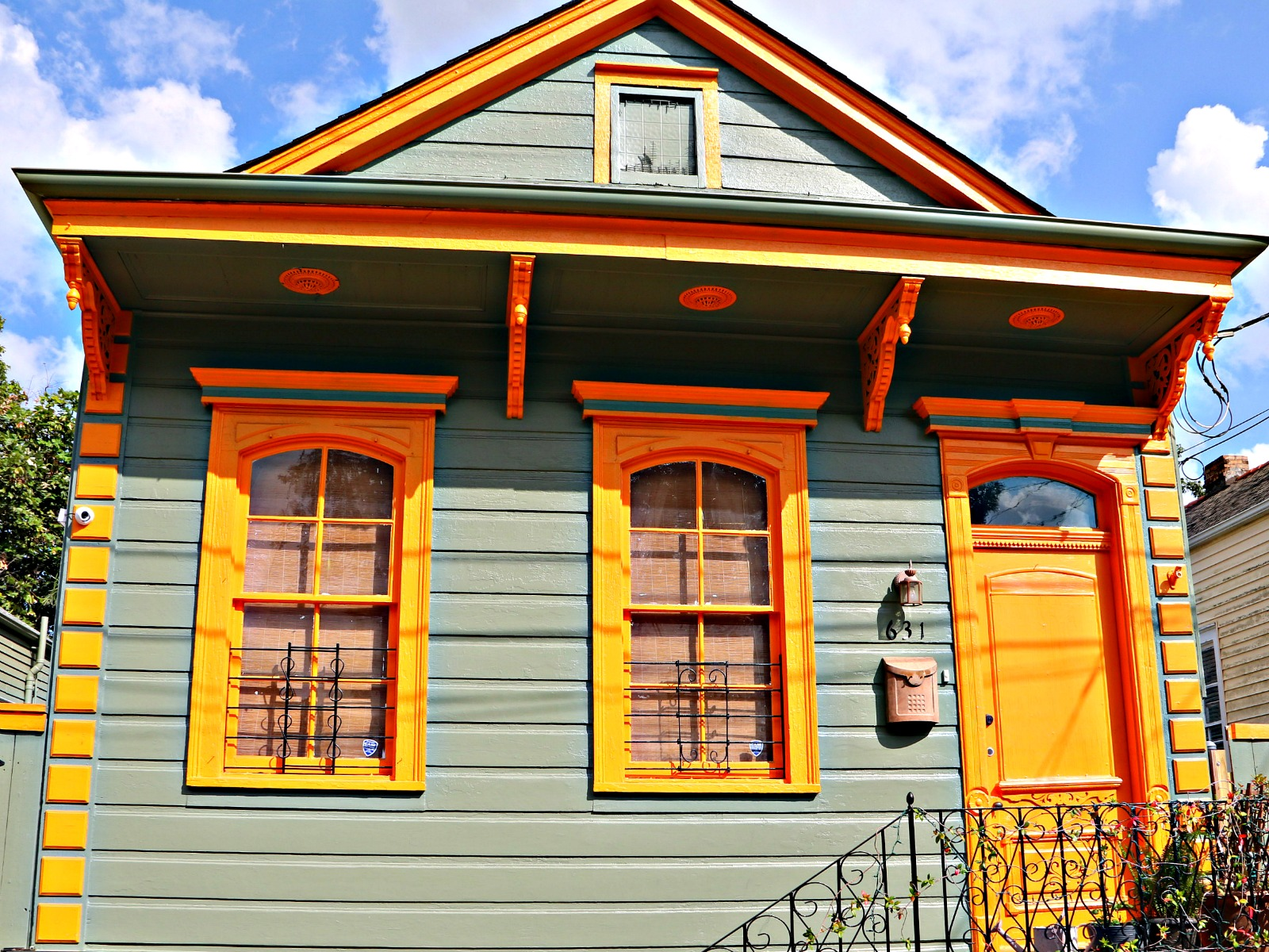 Bright and Colorful Bywater Homes in New Orleans